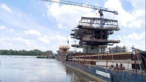 """Fala wstrzymała budowę mostu. """"Termin będzie trudny do utrzymania"""""""