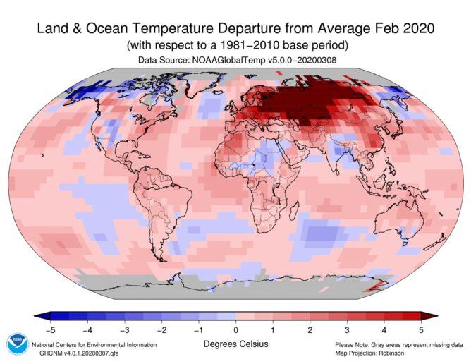 Odchylenie średniej temperatury lądu i oceanów w lutym 2020 od normy z lat 1981-2011 (NOAA)