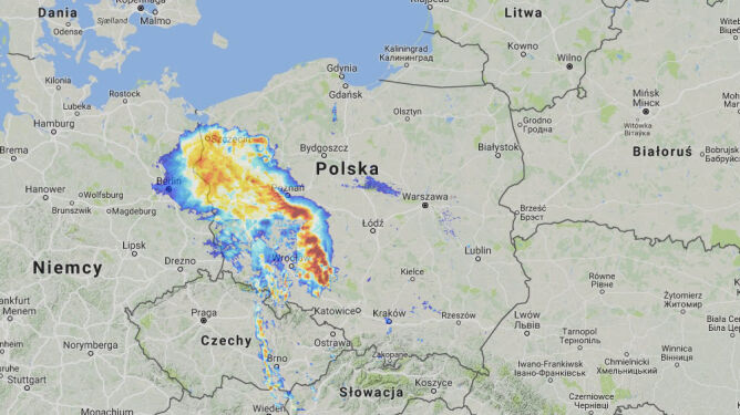 Opady nad Polską w piątek o godz. 20 (radar-opadow.pl/IMGW)