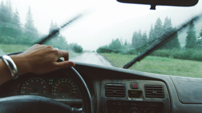 Burze mogą utrudnić jazdę